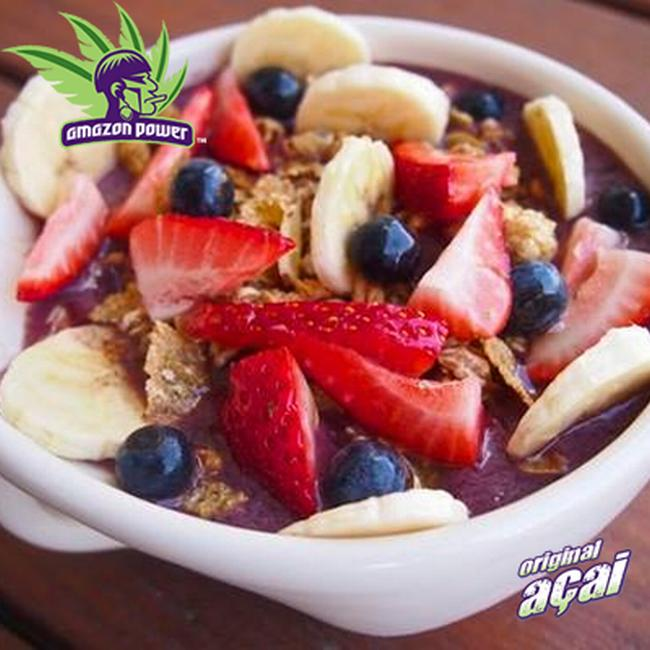 Acai Bowl with Mixed Berry and Toasted Muesli